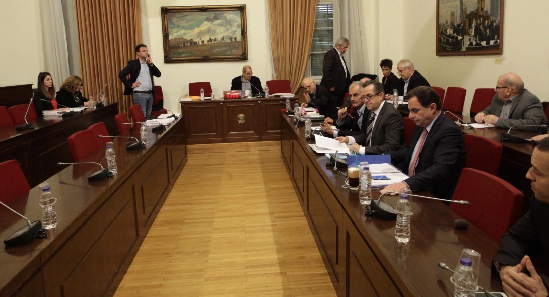 Το πόρισμα της εξεταστικής για το Ερρίκος Ντυνάν δείχνει ευθύνες σε τέσσερις πρώην υπουργούς Υγείας