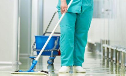 Τέλος οι εργολάβοι στα νοσοκομεία, με ατομικές συμβάσεις οι εργαζόμενοι σε φύλαξη και καθαριότητα και σίτιση