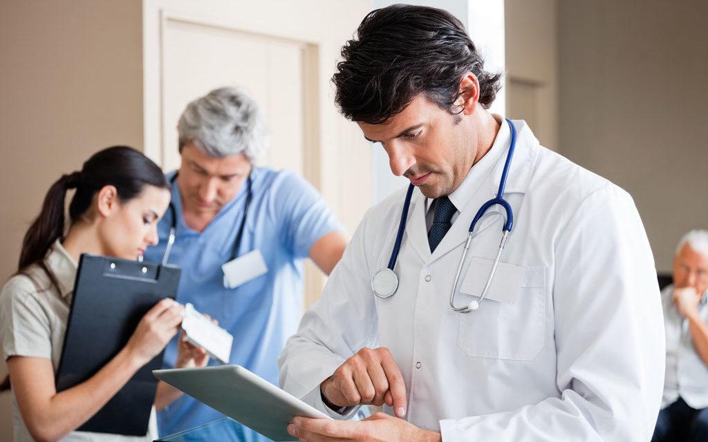 Αυτά είναι τα νέα όρια ηλικίας για τους επικουρικούς γιατρούς