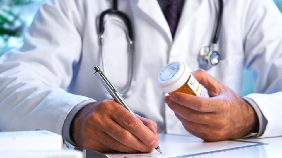 Έως 20% η υπέρβαση στη συνταγογράφηση για τους γιατρούς