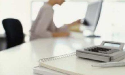 Αυξημένος ο κίνδυνος «κρυφής» υπέρτασης για όσους δουλεύουν πολλές ώρες στο γραφείο