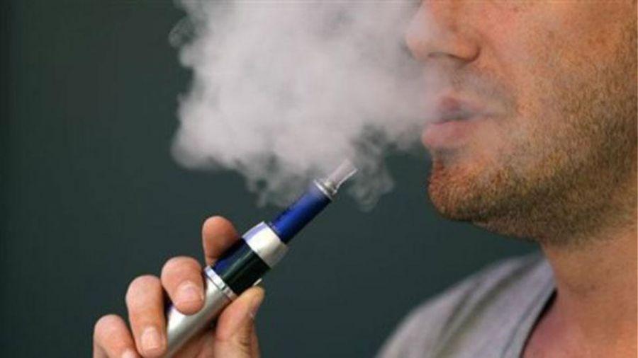Μεγαλύτερος ο κίνδυνος εγκεφαλικού για όσους συνδυάζουν παραδοσιακό και ηλεκτρονικό τσιγάρο