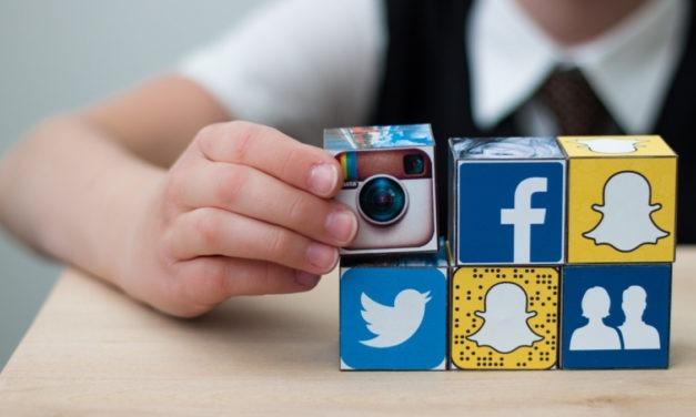Ανεξέλεγκτη η χρήση των social από παιδιά στην Ελλάδα – Στο ίντερνετ από τεσσάρων ετών