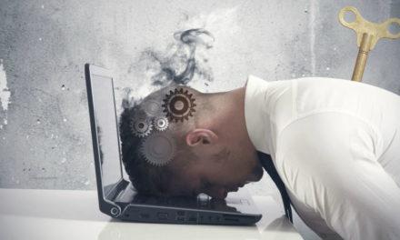 Το εργασιακό άγχος «καίει» τους Έλληνες εργαζόμενους – Τα συμπτώματα και η αντιμετώπιση