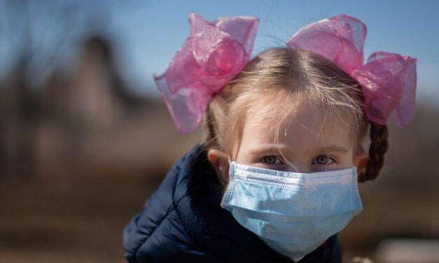 Κοροναϊός και παιδιά: Νέα μελέτη αλλάζει τα δεδομένα – Πόσο πιθανό είναι να μεταδώσουν τον ιό;