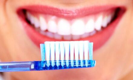 Ο δεκάλογος του καλοκαιριού από τον Οδοντιατρικό Σύλλογο Αττικής
