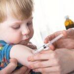 Αντιγριπικό εμβόλιο: Σε ποιες περιπτώσεις ένα παιδί πρέπει να εμβολιαστεί – Τι ισχύει για τους ενήλικους