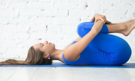 Η γιόγκα βοηθά τους μισούς ενήλικες να μειώσουν το άγχος τους
