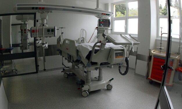 Κορονοϊός: Κάθε 4 μέρες αυξάνονται κατά 10 οι ασθενείς που νοσηλεύονται στις ΜΕΘ