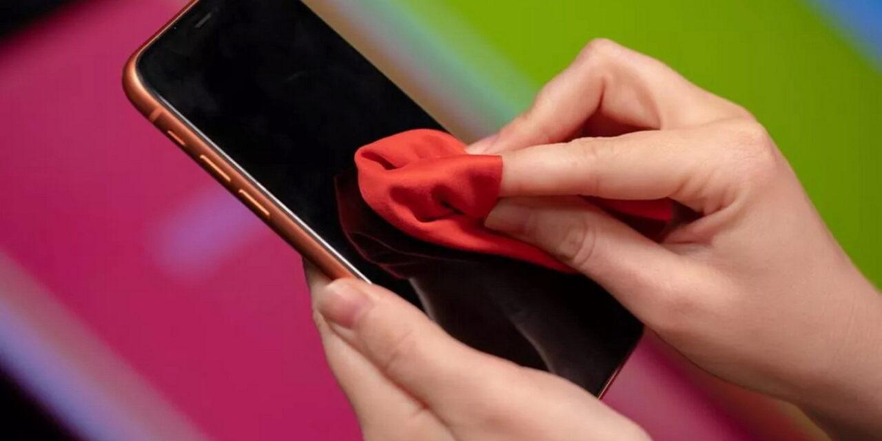 Ο κορονοϊός επιβιώνει έως 28 μέρες πάνω στα κινητά τηλέφωνα και άλλες επιφάνειες