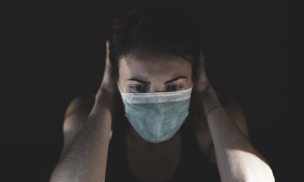 Ένας στους πέντε που νόσησε με Covid-19, θα εμφανίσει κάποια ψυχική διαταραχή μέσα στο επόμενο τρίμηνο